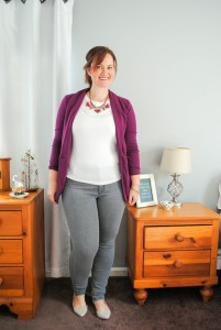 berry-blazer-white-t-gray-jeans-gray-flats-www.justjacq.com-@thejustjacq-2